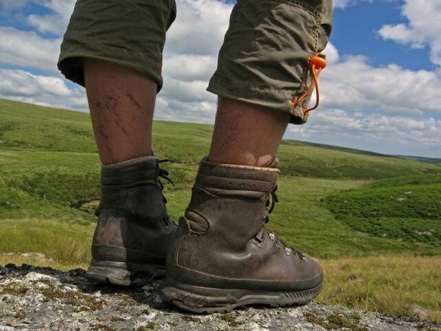 Walking boots, hiking boots