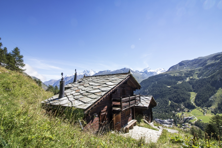 mountain-huts-explained