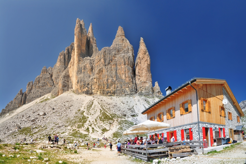 huts-in-the-dolomites-south-tyrolhuts-in-the-dolomites-south-tyrol